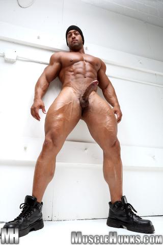 MuscleHunks Titan