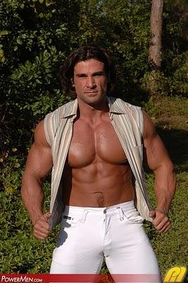 Muscle Gods: Giovanni Volta