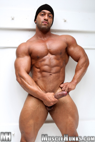 MuscleHunks Titan