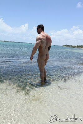 Zeb Does Solo Pleasure at the Beach