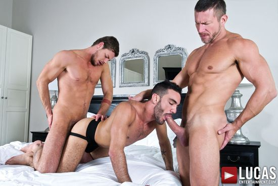 Alejandro Alvarez Takes Tomas Brand And Toby Dutch At Once