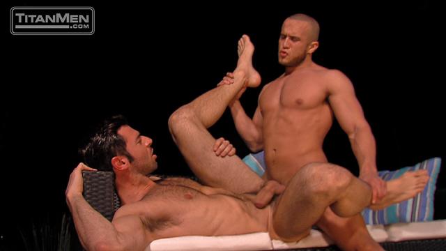 Dario Beck & Alex Graham in Day Into Night, Scene 3