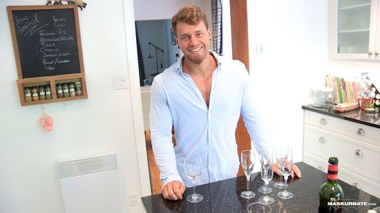 Maskurbate: Brad in Housewarming Party