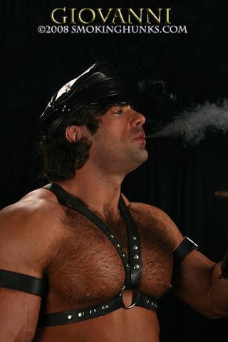 Smoking Hunks Giovanni