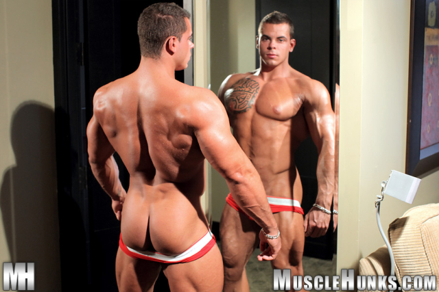 MuscleHunks Norman Cox