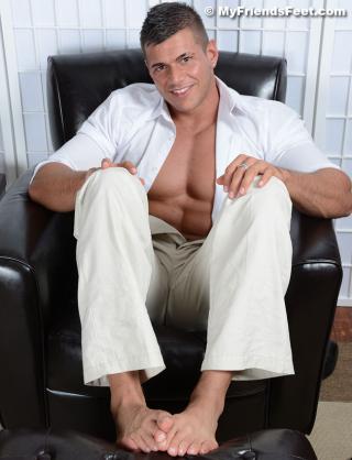 Joshua Armstrongs Amazing Size 11 Feet