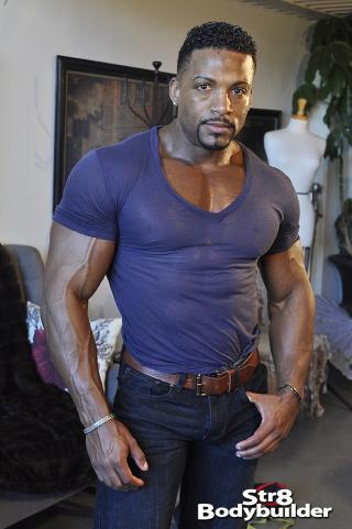 Str8Bodybuilder Andre Thompson