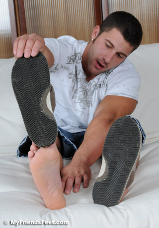 Tad's Size 12 Bare Feet 016