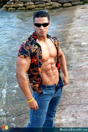 MuscleGallery Ricardo Delgado-01p9