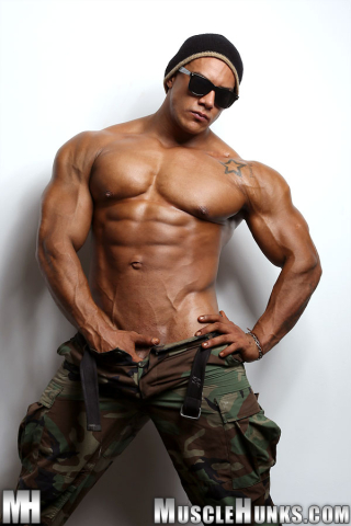 MuscleHunks Wade Trent
