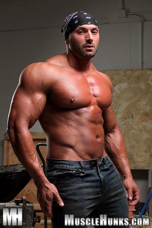 MuscleHunks Max Chevalier