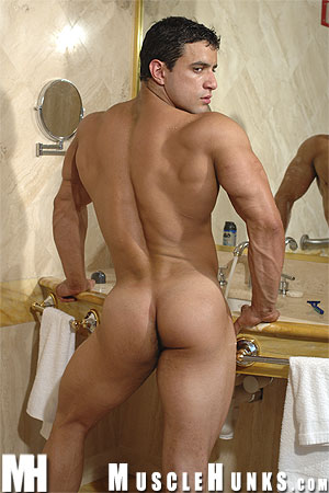MuscleHunks Macho Nacho 10[1]