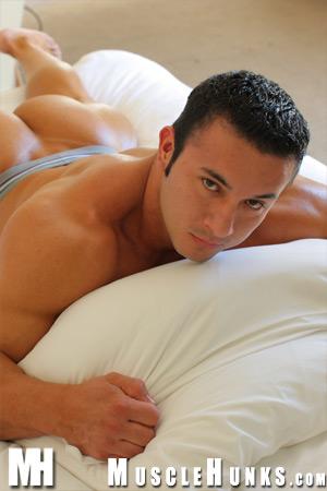 MuscleHunks Anton Buttone