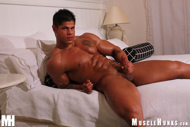 MuscleHunks Bo Armstrong