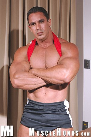 MuscleHunks Bruno Dorado