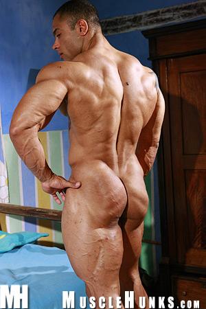 MuscleHunks Julio Lopez