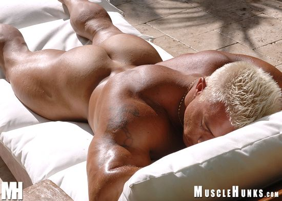 MuscleHunks Papi Palermo