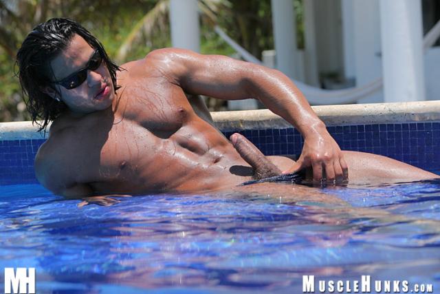 MuscleHunks Narcisso Oziel