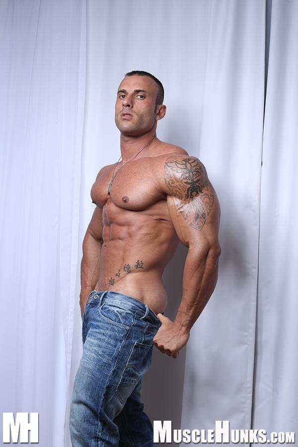 Beautiful Men: Gianluigi Volti