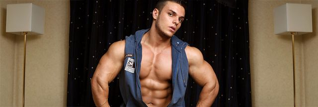 MuscleHunks Kevin Conrad
