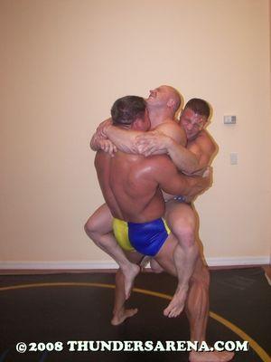 Bodybuilder_Battle_2_image35