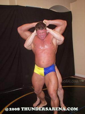 Bodybuilder_Battle_2_image72