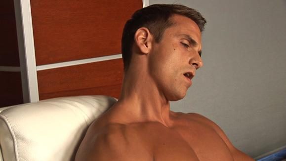 Sean Cody | Dominic: Solo - Bodybuilder Beautiful Updates