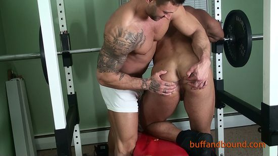MuscleBoundandWorshipped_002