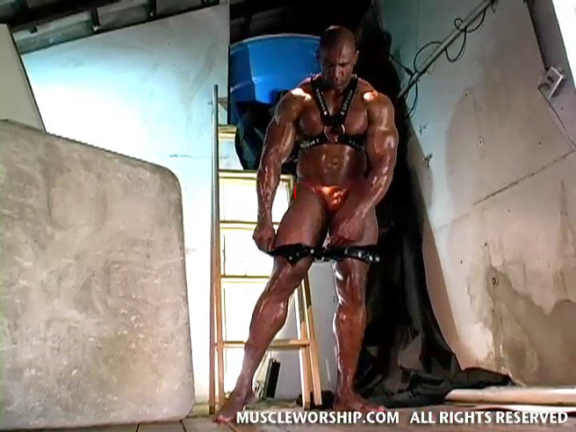 Cleber-Reis-Muscle-Worship-14