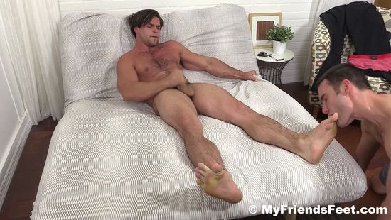 Cameron Worships Aspen's Feet and Makes Him Cum