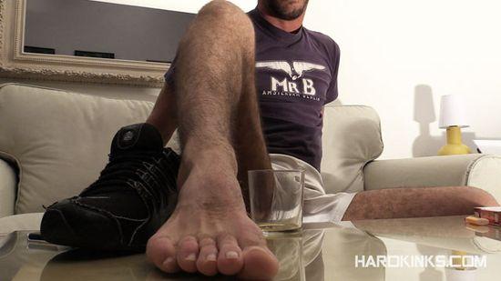 Alejandro Alvarez in Feetchat at Hardkinks