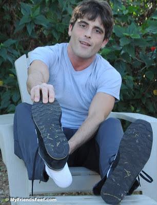 Link's Size 9 Bare Feet & White Socks