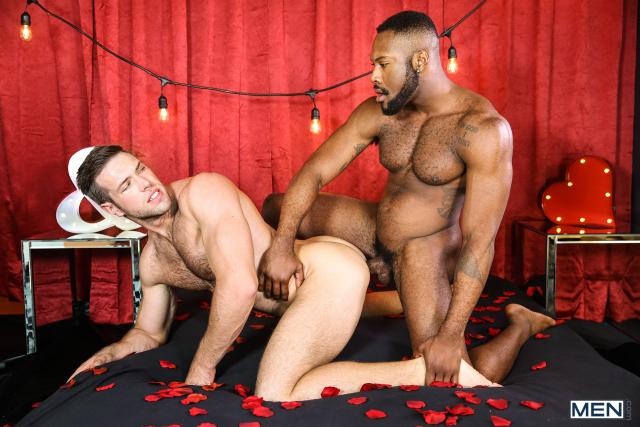 19 Alex Mecum and Noah Donovan in Dirty Valentine Part 2