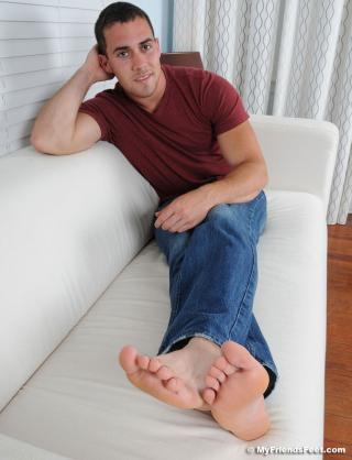 15 Koi Flip Flops & Size 9 1/2 Bare Feet