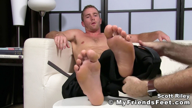Scott Riley Has A New Foot Slave_12