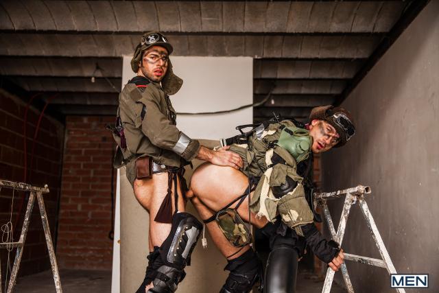 19 Dario Beck and Jay Roberts in Apocalypse Part 2