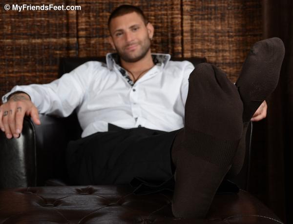 My Friends Feet | Mike Buffalari's Size 11 Feet & Dress