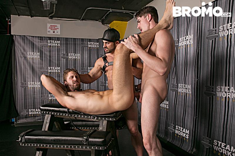 Bromo_TheSteamRoomPart2_1E7A0965