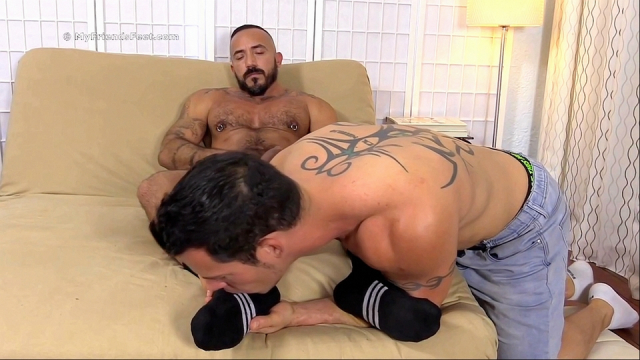 Derrick-alessio-foot-sex-7