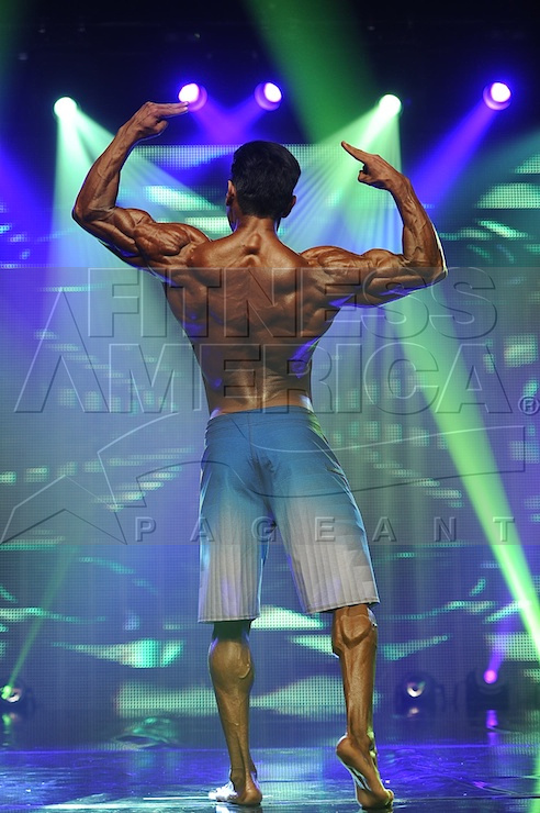 2014 Musclemania Physique - Pro