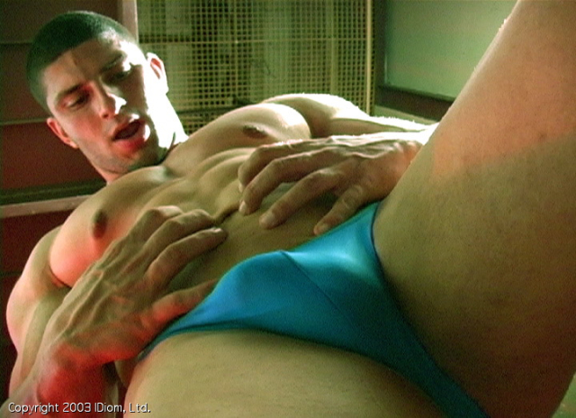 Roberto - Muscle Worship Cinema 307