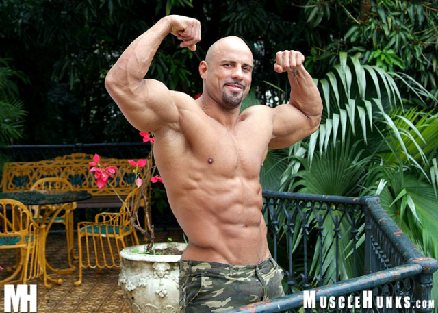 Jack Major in Muscle Daddy at MuscleHunks