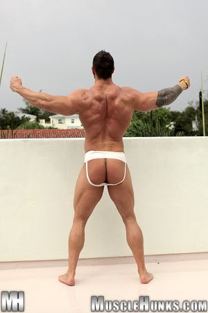 MuscleHunks Zeb Atlas