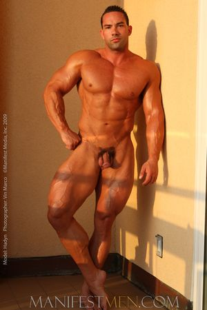 20090702iHaydn85_Haydn_Naked_Hung_Bodybuilder025