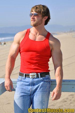 Contest Muscle Derek Duszynski 01