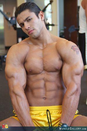 MuscleGallery Ricardo Delgado-03p6