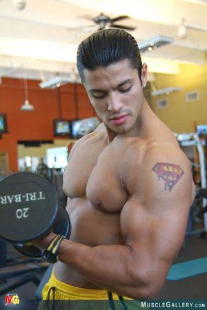 MuscleGallery Ricardo Delgado-03p9