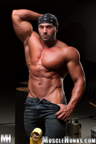 MuscleHunks Max Chevalier