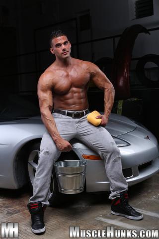 MuscleHunks Johnny Carrera