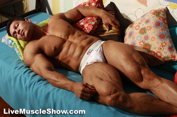 Live Muscle Show Angel Cordoba